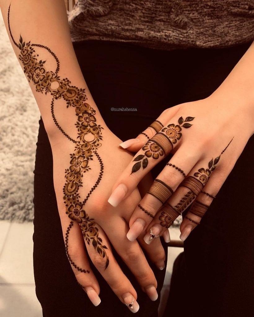 2 mehndi patterns floral back hand