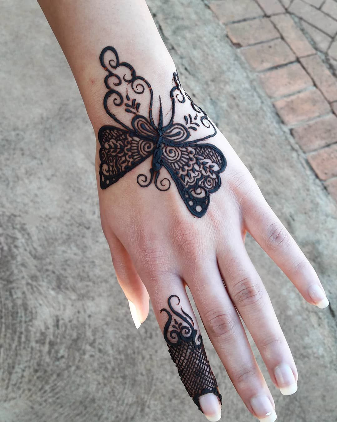 raksha bandan mehndi design butterfly