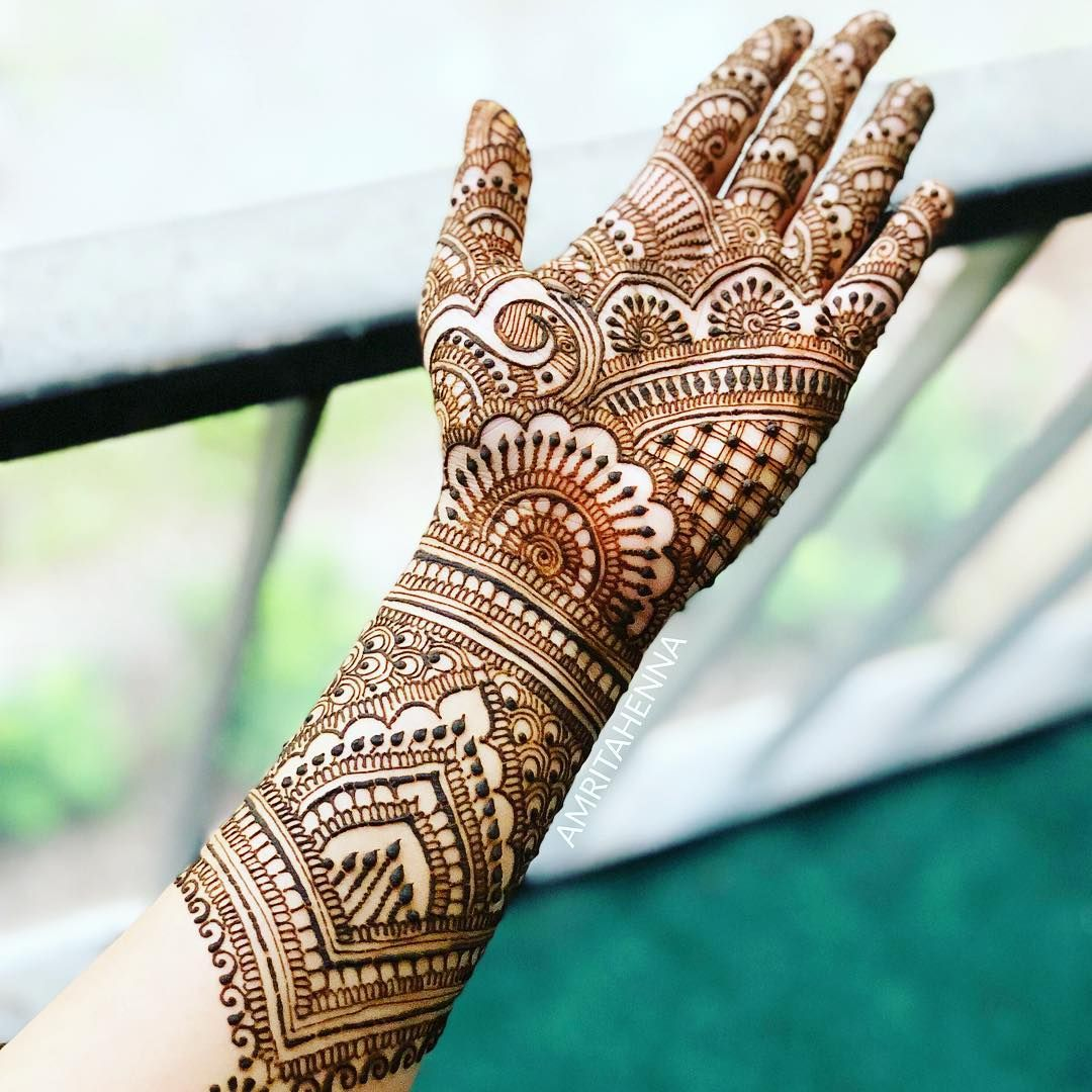 20 simple unique arabic mehndi designs for hands by amritahenna