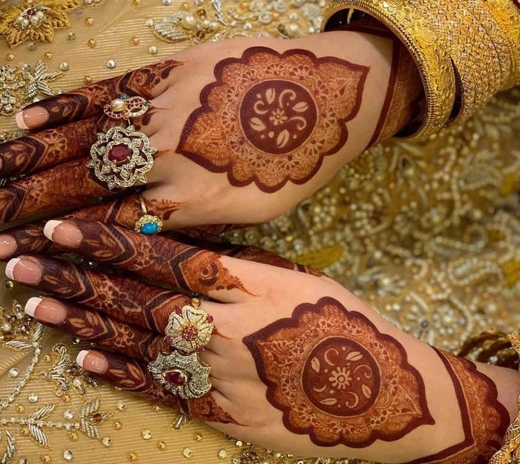 backhand mehndi design for eid