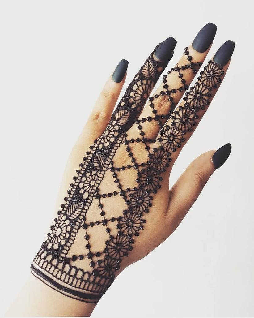 backhand mehndi design pattern geometric