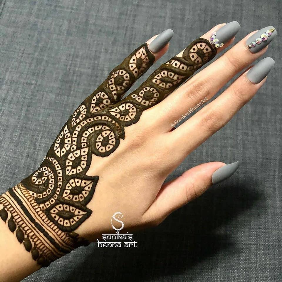 backhand mehndi design patterns