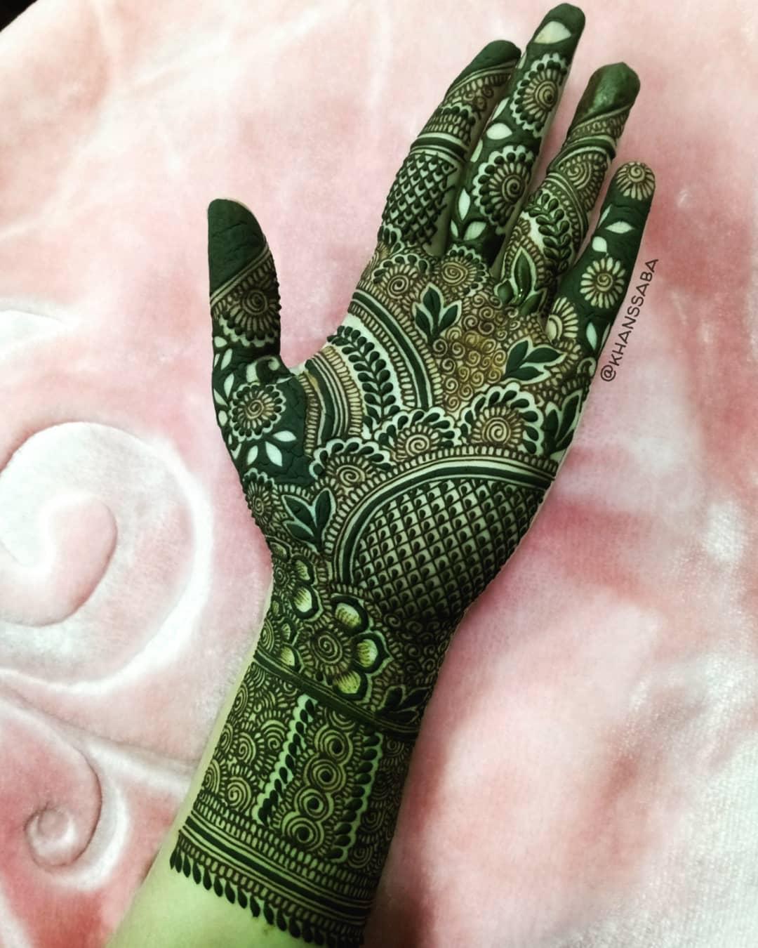 beautiful mehndi design green henna