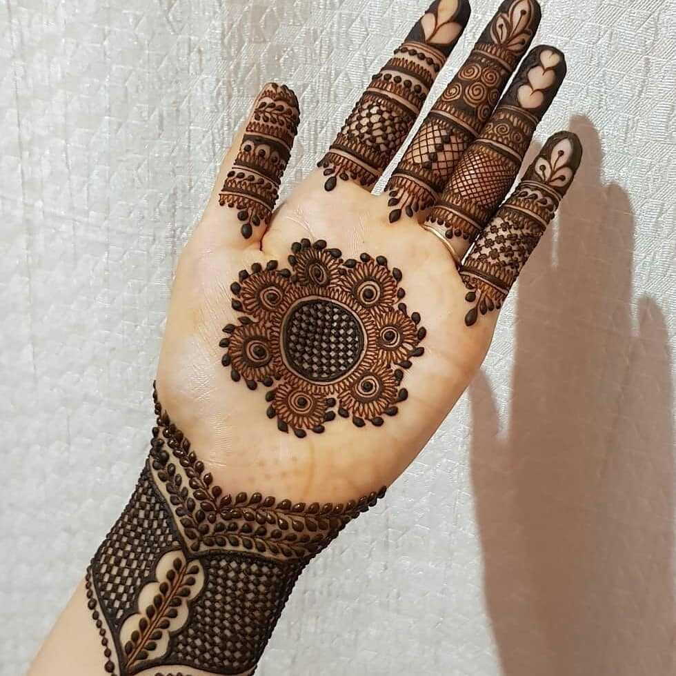 beautiful mehndi design mandala