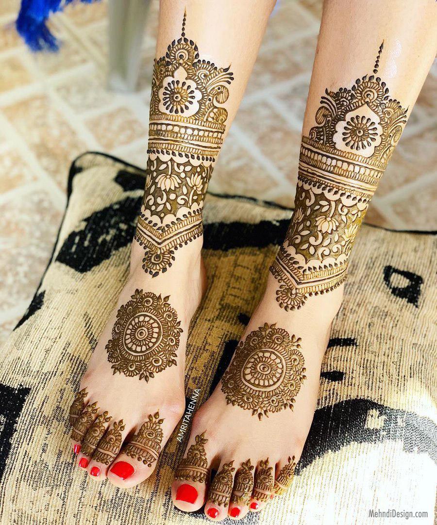 15 leg mehndi design floral pattern bridal by amirta