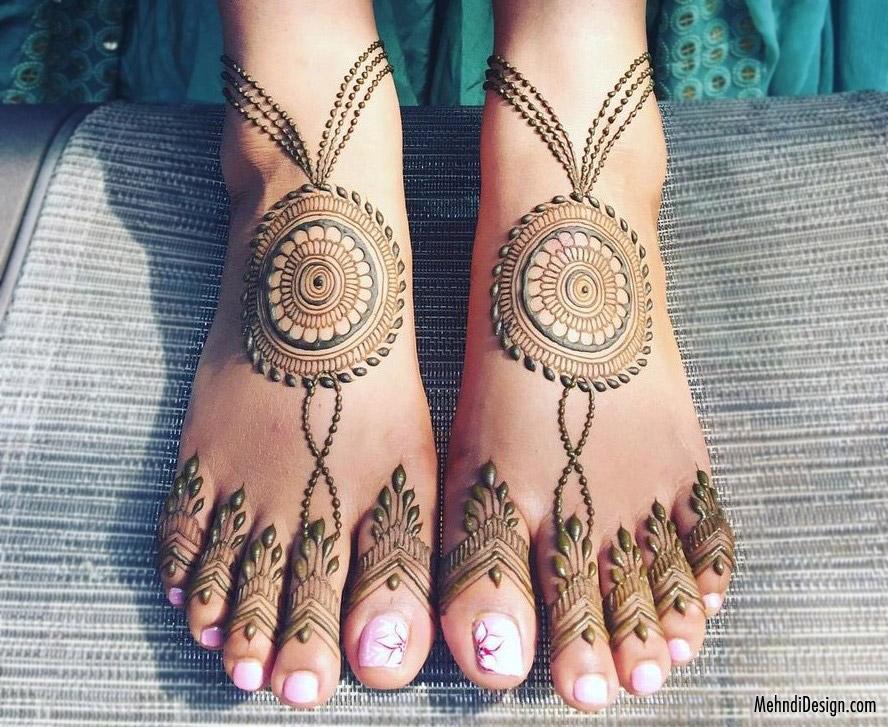 24 leg mehndi design mandala style