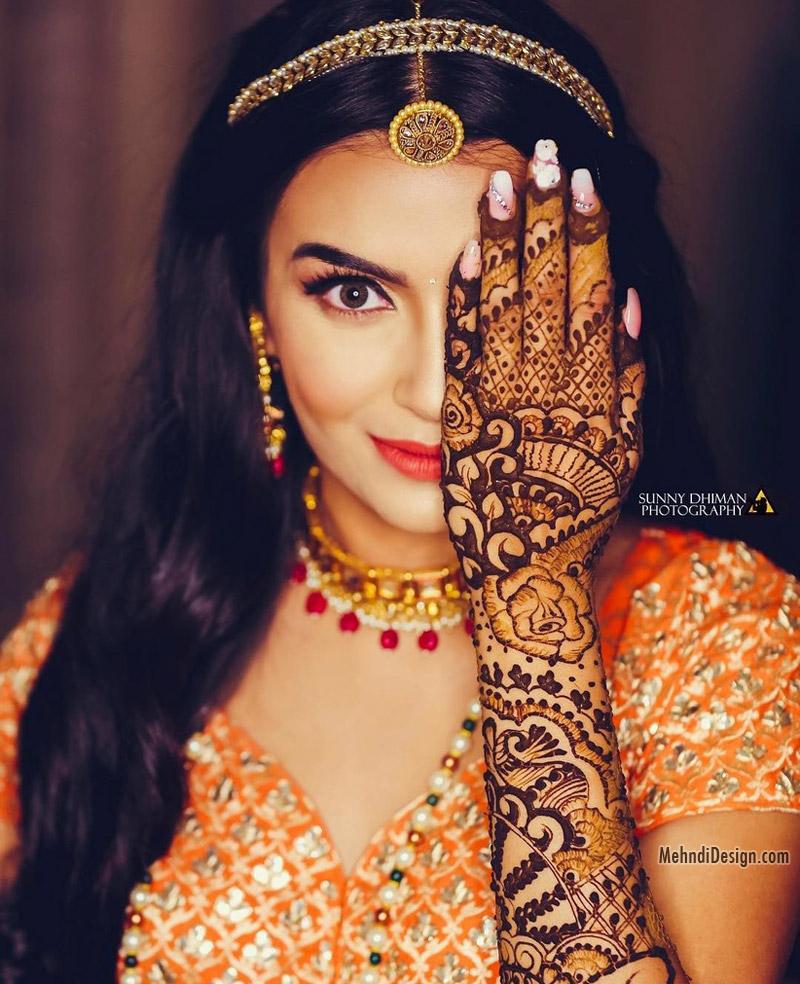 bridal mehndi design for full front hand