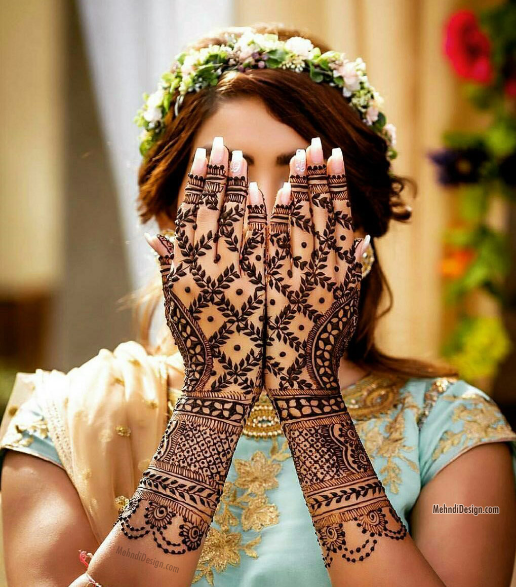 mehndi designs for bride front hand