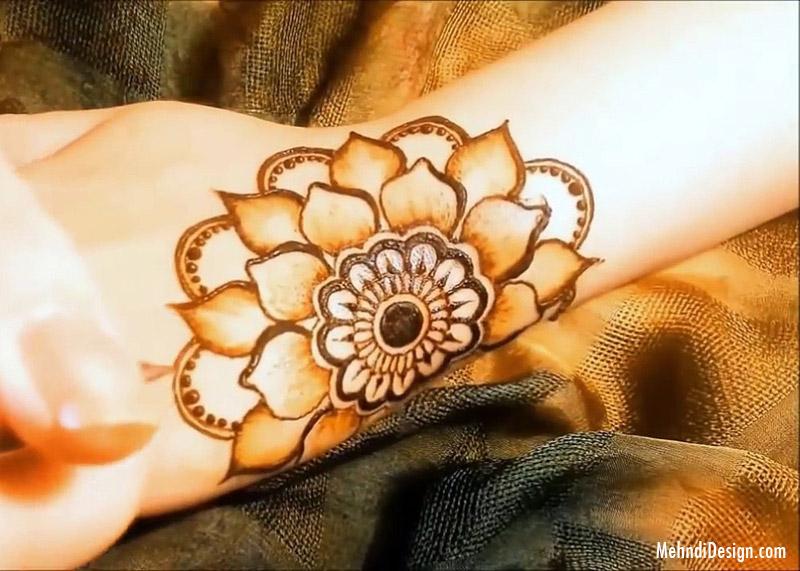 simple easy mehndi design flower for front hand